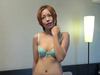 茶髪の可愛らしい女の子 ゆき