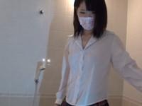 お風呂で生中出し 制服着衣で濡れエッチVol.01