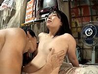 超敏感乳首のAカップ貧乳美少女とラブエッチ